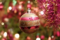 Noël (loulou67240) Tags: noel boules sapin