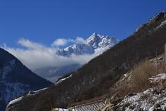 les Follatères (bulbocode909) Tags: valais suisse branson fully follatères nature montagnes forêts vignes hiver neige nuages paysages bleu