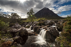 buachaille waterfall (cfaobam) Tags: buachaille waterfall wasserfall schottland scotland europe scottish landschaft ufer langzeitbelichtung long exposure landscape color sun water travel photography europa nature national geographic cfaobam wasser sony a7r outdoor