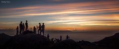 Fotógrafos de Montanha (Waldyr Neto) Tags: montanhas amanhecer sunrise altodaventania serradaestrela serradosórgãos fotógrafosdemontanha cloudsstormssunsetssunrises crepúsculo mountains petrópolis parnaso