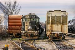 IC 9638 | EMD GP38-2 | CN Hollywood Yard (M.J. Scanlon) Tags: memphis tennessee icg ic cn canadiannational illinoiscentral illinoiscentralgulf emd gp382 hollywood hollywoodyard cnrhy22 rhy22 m319 cnm319 boxcar hopper tankcar unit engine locomotive signal light rail railroad railway train track power horsepower scanlon canon eos digital freight transportation merchandise commerce business haul outdoor outdoors move mover moving rebel ic9638 icg9638