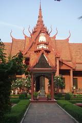 Cambodia - Phnom Phen National Museum (Alf Igel) Tags: cambodia kambotscha phnomphen nationalmuseum museum hindu hindi budda