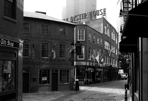 "Oyster House • <a style=""font-size:0.8em;"" href=""http://www.flickr.com/photos/65517842@N07/20278252144/"" target=""_blank"">View on Flickr</a>"