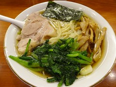 Ramen @Manrai, Shinjuku, Tokyo (Phreddie) Tags: trip japan happy soup restaurant tokyo yummy shinjuku yum delicious ramen noodle biz manrai 150826