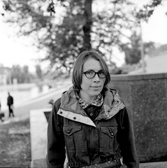 53_lena3 (tigraboris) Tags: street friends summer blackandwhite bw 120 film blackwhite shoot walk moscow streetlife 120film 124g rest medium format mf darling yashica mylife yashicamat yashicamat124 ektar100