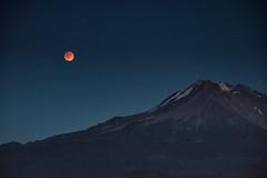 totality ascendant (gwashley) Tags: california moon eclipse blood harvest shasta