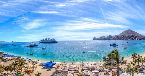 Looking back on this photo makes me think about how hot it gets in Mexico. And, beautiful. #CaboSanLucas