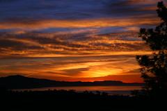 2015_12_03_sb-sunrise_95 (dsearls) Tags: morning pink blue orange mountains color weather santabarbara sunrise dawn pacific pacificocean geology southcoast contrails westcoast cirrus altostratus 20151203