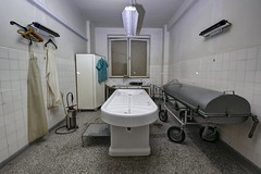 IMG_1353_4_5_fused (Městský průzkum) Tags: urbex abandoned exploration morgue mord death creepy sad place places sanatorium