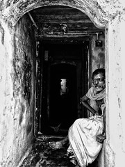 oppo neo 7 (Vigneshwaran photojournalist) Tags: old age guy dhoti tamil india rameswaram home depth hdr monochrome mono blackandwhite black white structure house waiting wait iphone wallpaper daddy daughter architecture door texture