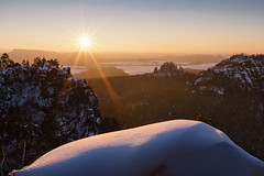 Coming Back to Life (Philipp Zieger - www.philippzieger-photographie.de) Tags: snow neige schnee winter landschaft sächsischeschweiz elbsandsteingebirge cool kälte sunset sonnenuntergang sony a6500 saxonswitzerland deutschland germany licht light sonne sun wandern hiking zeiss
