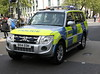 BX14EOH / CAY Mitsubishi Shogun of the Met Police in London (Ian Press Photography) Tags: police metropolitan met london 999 emergency service services bx14eoh cay mitsubishi shogun cars 4x4