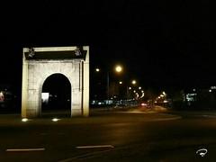ARCH #Maintal #Schweinfurt #Tor #arch #Nachtbilder #Nacht #night #nightshot #Photographie #photography (benicturesblackwhite) Tags: tor nacht nachtbilder maintal nightshot night photography arch schweinfurt photographie