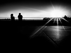 loneliness (frank_hb) Tags: bw blackwhite blackandwhite black streetphotography silhouette elbe hamburg human shadow light schwarz weis kontrast blendenstern
