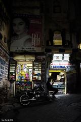Udaipur - India 2016 (Yago Ruiz · Photography) Tags: nikon yago ruiz yagoruiz yagoruizphotography photography street streetphotography travel travelphotography monochrome monocromo blancoynegro bw blackandwhite india asia people gente exteriores fuji fujifilm finepix x100 x100s x100t callejera 35mm social children fun 85mm 50mm f14 f18 g d afs afd fullframe d610