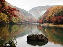 quiet dream (brisa estelar) Tags: landscape river maple leaves mountains colorful fog autumn rock reflection kyoto traditional travel japan