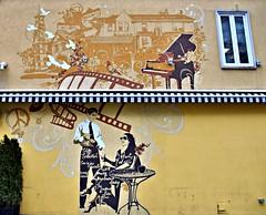 Sassafraz, Yorkville Village, Toronto, ON (Snuffy) Tags: sassafraz yorkvillevillage toronto ontario canada murals niceasitgetslevel1 heartawards