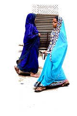 Azul en Varanasi (Payuta Louro) Tags: city trip travel blue vacation two sky india dark gum photo women walk country navy varanasi louro benares sharee 50millionmissing