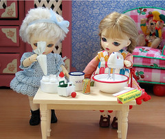 Baking (biscuitbear) Tags: toy doll sweets bjd bluefairy pocketfairy