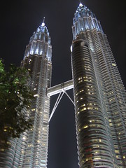 KLCC / Petronas Twin Towers (Lydd_Nel) Tags: city bridge building tower night facade lights officebuilding malaysia infrastructure tall kualalumpur klcc storeys lydd interestingness29 kriskroscontacts explore5jun06 mywinners bigfave abigfave bfv10
