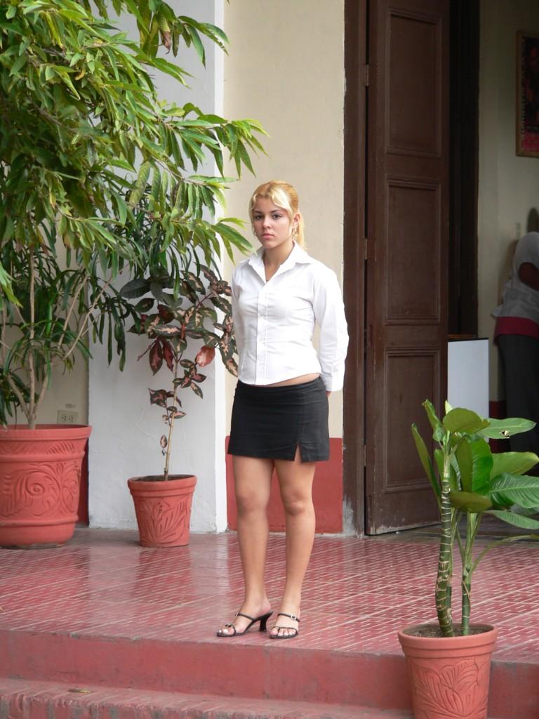 La cubana es la reina del Eden.....(fotos de bellezas en Cuba) 162298208_09e2ce72dc_o