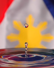 Philippine Flag (BeeBoy) Tags: blue red water vertical star drops flag philippines drop independence philippineflag june12 bandila philippineindependence