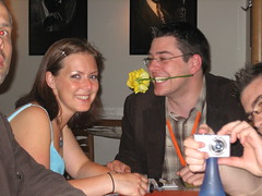 IMG_3206 (tantek) Tags: uk london rose dinner media flirt flirting needstags pizzaexpress flirtation pernilla atmedia needsnotes kennethhimschoot pernillalindquist media2006 atmedia2006