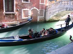 smile (yetiger) Tags: venice canal tourists gondola individuality