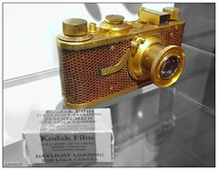 The first production model from Leica... (Lionoche) Tags: leica almostbw vevey compactcamera oldphotography 24x36 i500 interstingness195 leical1 musesuissedelappareilphotographique oldleica swisscameramuseum
