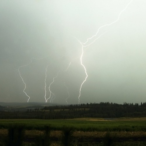 Lightning in Priddis
