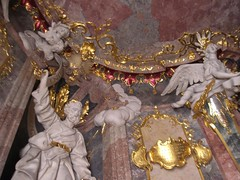 Asamkirche Statuen