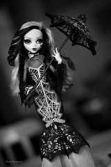 draculaura (olgabrezhneva) Tags: collector sweet 1600 draculaura doll deluxe edition monsterhigh monsterhighdolls mh monster indoor people outfit dolsoutfit costume craft hobby work portrait mattel unniedolls high outdoor draculauradeluxe