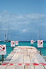 Prohibido banarse.... (I fili della memoria) Tags: prohibido formentera divieto playadeilletas