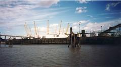 1999-10-London-16 (fjordaan) Tags: london thames 1999 scanned thamesboattrip
