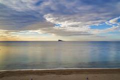 De frente (Rubn Aranda) Tags: sea espaa beach beautiful mar spain mediterraneo awesome playa alicante amanecer isla benidorm isleta