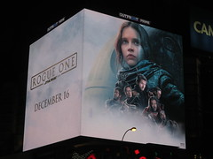 Star Wars - Rogue One Story Electronic Billboard 8729 (Brechtbug) Tags: star wars rogue one story electronic billboard 2016 8th ave 42nd street amc theater new york city space opera film movie science fiction scifi android kaytoo k2so imperial droid protocol robot metal man mekkano adventure galactic prototype design metropolis fritz lang death plans card board december 12132016 nyc standee poster billboards posters ralph mcquarrie ron cobb syd mead empire state building