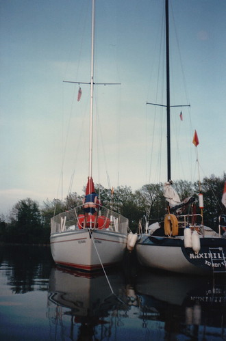 Toucan and Maximillion rafted up to gether in Oswego N. Y. - Terry's bum