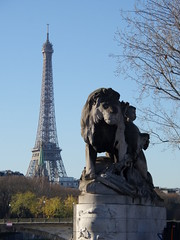 Eiffel & LOuvre (Toni Kaarttinen) Tags: parís paris parizo pariisi párizs parigi パリ parijs paryż париж 巴黎 frança frankreich francio francia ranska france צרפת franciaország フランス frankrijk francja franţa франция frankrike 法國 iledefrance parisian eiffel seine lion