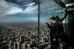 Chicago (Andrea Scire') Tags: chicago skyline people landscape street streetphotography public place men