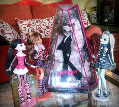 ** Mother Monster Has Arrived ** (NєωSαℓємWσℓƒ ♛) Tags: lady gaga monster high born this way foundation doll limited edition collector zomby gorgous skeleton tattoo