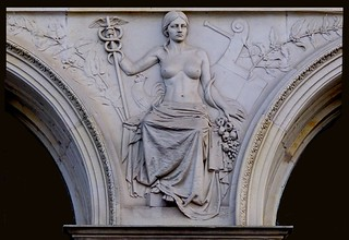 Allegorisch reliëf Den Haag