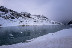 Frozen Lago Bianco (explored) (dam.he) Tags: ospiziobernina graubünden leicaq lagobianco leica winter schweiz alps berninapass mountains berge frosty grisons cantonofgrisons gefroren switzerland