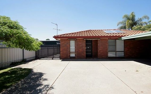 Unit 2/3 Nicholi Crescent, Lake Albert NSW