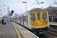 Thameslink 319215 (Will Swain) Tags: 26th january 2017 greater london capital city south east train trains rail railway railways transport travel uk britain vehicle vehicles country england english cricklewood station class 319 thameslink 319215