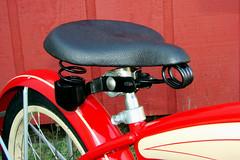C08521 (centerprairie) Tags: red 1948 bicycle stand tank balloon ivory tire chrome spitfire brake pedals handlebar horn schwinn coaster juvenile rods 1949 saddle dx truss grips bendix 20