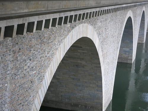 A72 Talbrücke Pöhl bei Neuensand Juli 2015_071