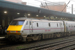 91122, Doncaster, November 27th 2014 (Suburban_Jogger) Tags: station train railway eastcoast doncaster electriclocomotive class91 91022 91122