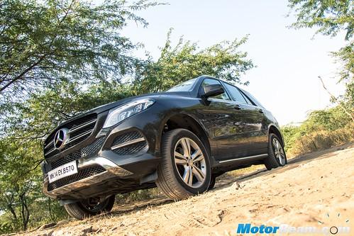 2015-Mercedes-GLE-11