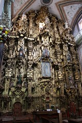 Stunning Golden Altarpiece, Parish of Our Lady of Sorrows, Dolores Hidalgo, Mexico (Bencito the Traveller) Tags: mexico golden doloreshidalgo altarpiece parishofourladyofsorrows