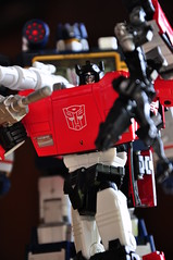 Masterpiece Sideswipe and Masterpiece Soundwave and Ravage (EZ Balance Photography) Tags: robots transformers masterpiece autobots soundwave decepticons sideswipe ravage lambor